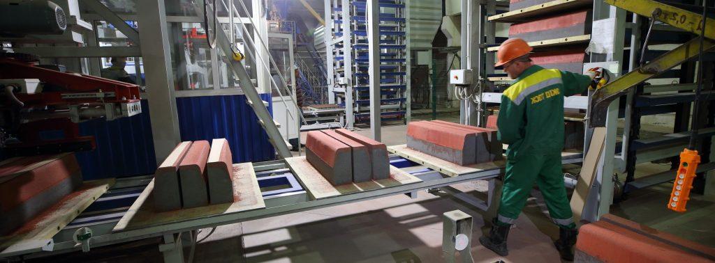 Работа на заводе брусчатки в Польше фото